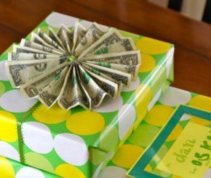 Веселые и креативные подарки к 30-летию